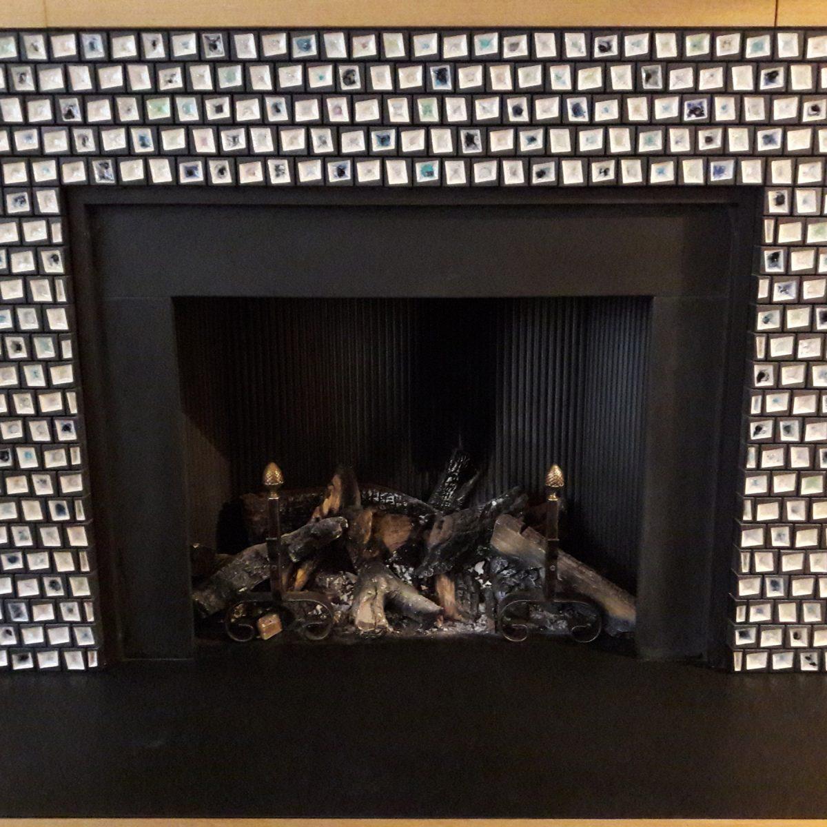 Cheminée, 2016, grès émaillée, 1,1x1,6 m, Londres.